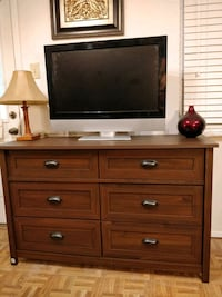 Nice modern dresser/TV stand with 6 drawers in ver Annandale, 22003
