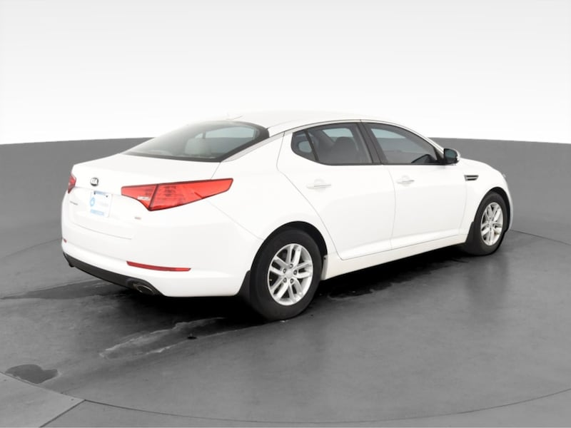 2013 Kia Optima sedan LX Sedan 4D White  10