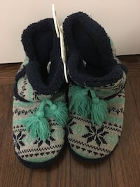 Slippers New - Size 9.  Vaughan, L4H 3R4