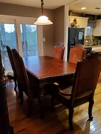 Table and 7 chairs