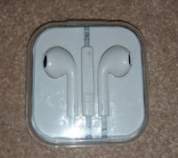 earpods with case Cambridge, N3H 2N2