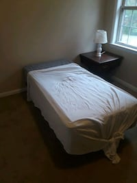 Twin size bed set w/ frame & box spring Reidsville, 27320