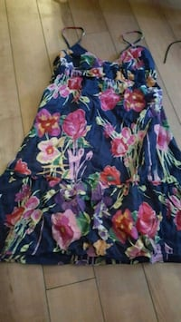 Size 6 floral summer dress Cobourg, K9A 4J8