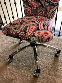 Pre-Teen Desk chair. Hard used at all. 303 mi