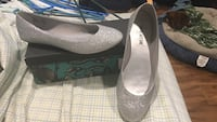 pair of gray suede pointed-toe heels Green Bay, 54311