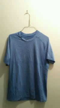 Mens medium lululemon shirt Edmonton, T5E 2T3