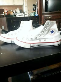 Converse all-star Chuck Taylor size 2