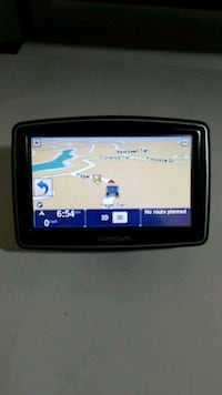 TomTom One XL  N14644 with a lot of accessories