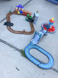 Paw Patrol Lookout and Train Station