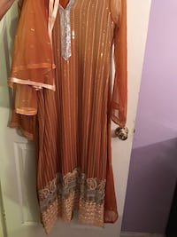 Women's Paki  dress new . Never worn  Manassas, 20111