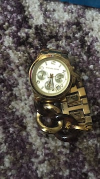 round gold-colored chronograph watch with link bracelet Wilson, 27893