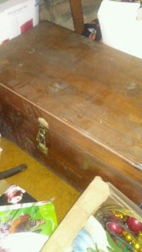 "2Foot 2 inch long 1ft 7"" tall Wood Hope Chest"