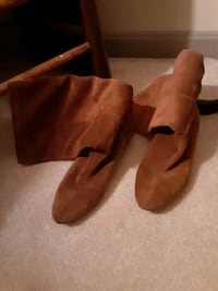 Brown Suade Boots 7.5 great condition  Leesburg, 20175