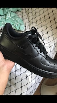 Black air forces  SIZE 7.5 Y Georgetown, 40324