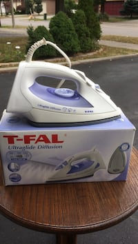 white and purple T-Fal steam iron on box Vaughan, L4J 8G5