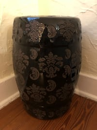 black and gray floral ceramic vase West Palm Beach, 33401