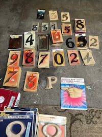 Assorted brass and plastic 5inch numbers Flint, 48506