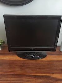 """Low use hour insignia lcd 19"""" tv with built in DVD player and controls excellent picture quality Ottawa, K1S 2M3"""