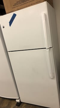 Top&bottom refrigerator excellent conditions