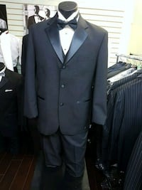 black notch lapel suit jacket Vancouver, V5K 2A7