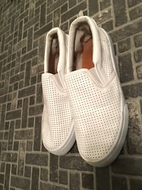 pair of white low-top sneakers Winnipeg, R2C 1M9