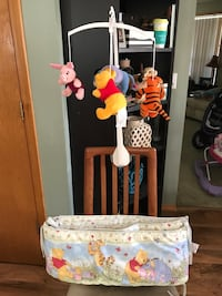 Winnie the Pooh mobile and bumper