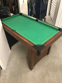green and brown pool table Tampa, 33629