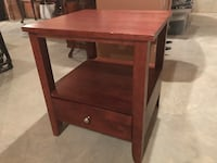 Wooden end table with drawer Knoxville, 37918
