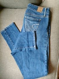clothes. AE rue jeans