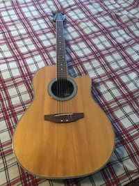 Applause acoustic / electric guitar