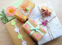 Professional Gift Wrapping Independence, 64052