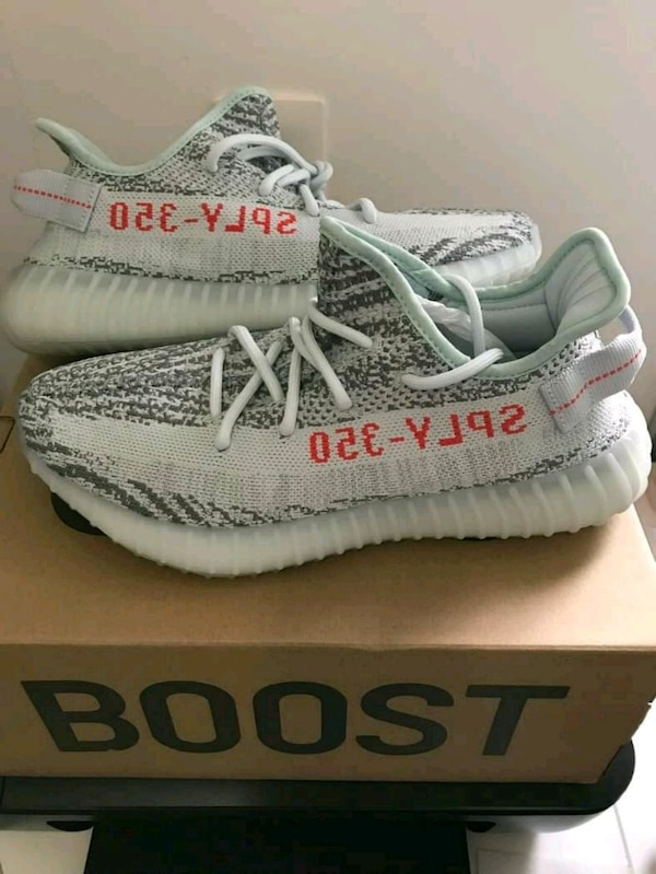 eaa25b4dcd7 Used BLUE TINT YEEZY SIZE 6.5 7 8.5 9.5 for sale in New York - letgo