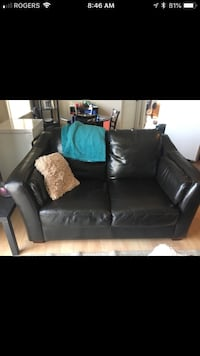Black leather 2-seat sofa Dieppe, E1A 7N7