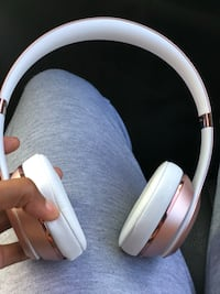 Beats solo 3 wireless  Suitland-Silver Hill