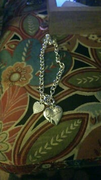 Guess heart pendant necklace