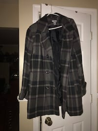 Black and gray plaid button-up coat Taneytown, 21787