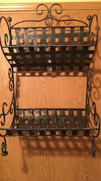 Metal rack/shelf can be hung or stand alone Bear, 19701