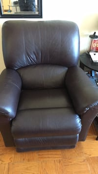 black leather recliner sofa chair Alexandria, 22304
