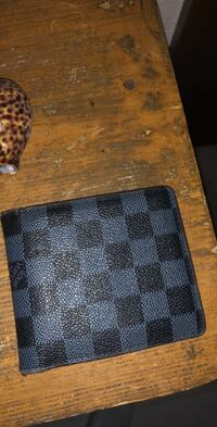 Black and gray louis vuitton leather wallet 1190 mi