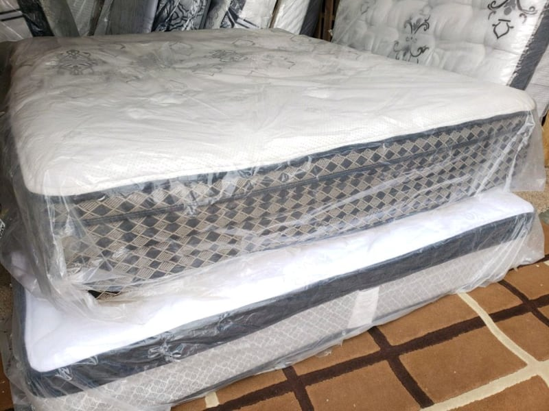 New queen mattress eurotop 400 delivery available  73e6d717-1ef5-4c61-8aba-415420616f36