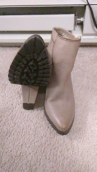 Charlotte Russe Taupe Zipper Trim Ankle Booties   Oklahoma City, 73107
