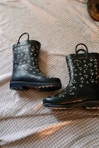 A pair of children size 9 10 Cherokee  rubber boots  perfect  Myrtle Beach, 29577