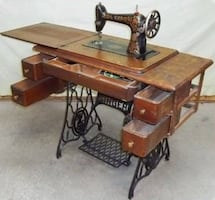 Singer-black floral sewing machine with table