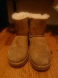 UGG boots women size 9 Bryans Road, 20616