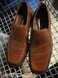 men's pair of brown leather loafers Montréal, H3S 1J7