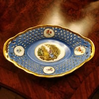 Royal LIMOGES bowl in excellent condition Toronto, M2H