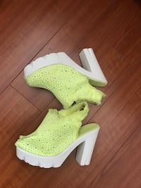 YELLOW DENİM  SHOES SİZE 37, LAST 3 WEEKS Los Angeles, 90034