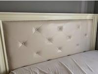 White and gray tufted mattress Glendale, 91201