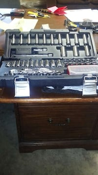 """1/4"""" Silver eagle set retail for 170$ like new. as Richmond, 40475"""