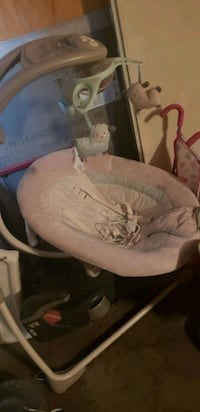 baby's white and gray cradle and swing Sacramento, 95823